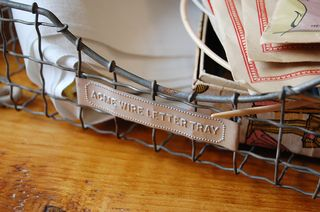 Acme_wire_letter_tray