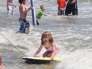 Surfer_maeve