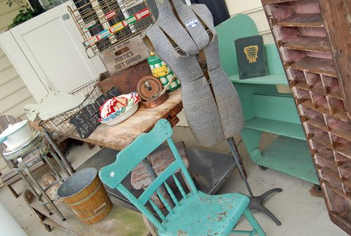 Adamstown_antiques