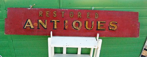 Antiques-sign