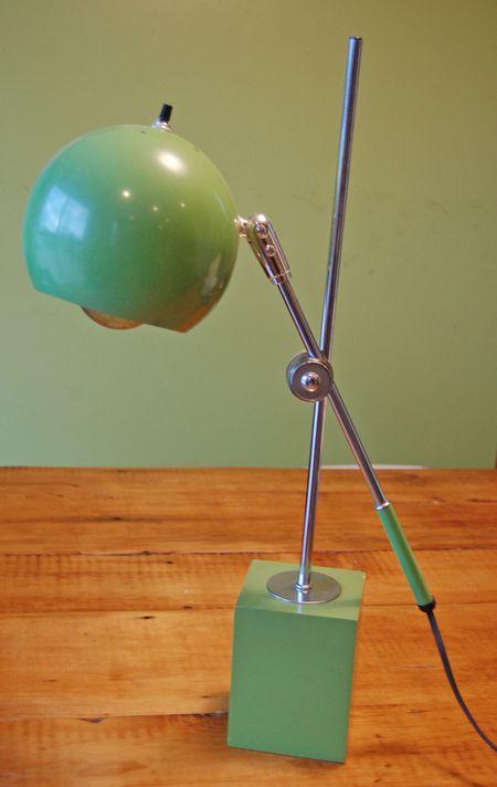 Green-globe-modern-lamp